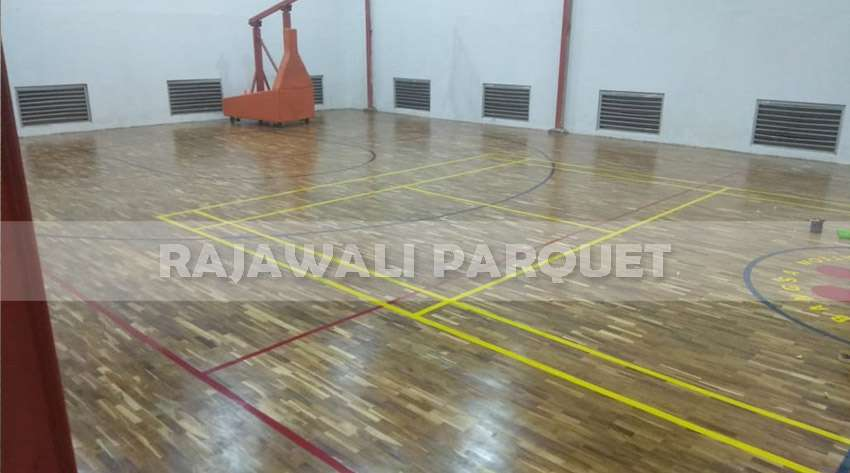 pemasangan lantai kayu Jati SMA Kharisma bangsa Tangerang
