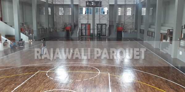 lantai kayu lapangan basket universitas Widyatama bandung 13
