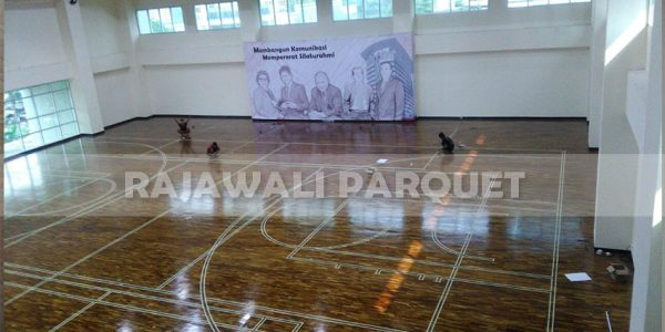lantai kayu lapangan basket universitas Widyatama bandung 4