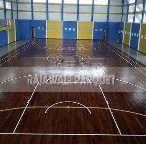 pemasangan lantai kayu Merbau lapangan universitas Bengkulu