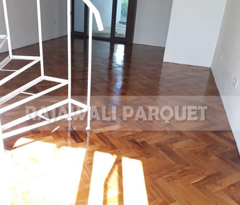 lantai kayu rumah bapak aher 10